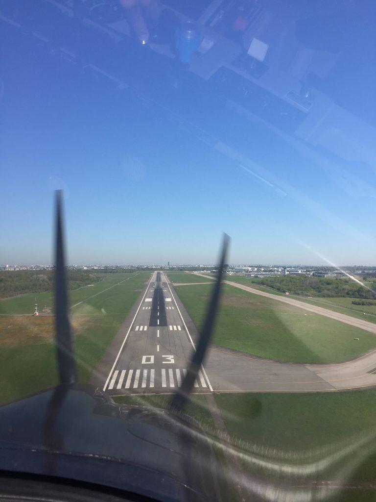 Avion piste d'attérissage